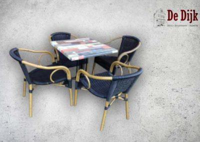 Set: Tafel en 4 stoelen